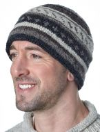 NAYA - Pattern Beanie - pure wool - greys