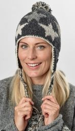 Star ear flap hat - pure wool - hand knitted - fleece lining - grey / natural