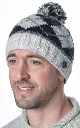 Half fleece lined - Highland bobble hat - Pale grey