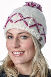 Criss cross bobble - hand knitted - pinks