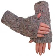 Fleece lined - leaf pattern -  wristwarmers - pale heather