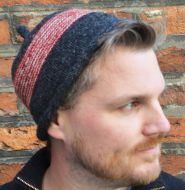 Half fleece lined - pure wool - pippet beanie - Charcoal/Red