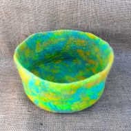 Hand made felt - bowl - green/yellow