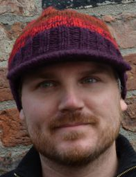 Half fleece lined - pure wool - two tone - peak hat - Reds