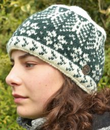 Winter Leaf - pure wool beanie - green