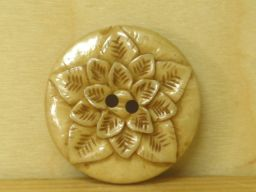 Hand carved - triple flower button - pale