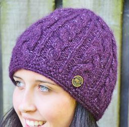 Fine wool mix - cable beanie - aubergine