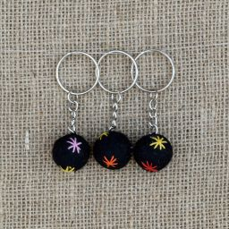Star Keyring - Black/Rainbow