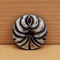 Hand carved - stylized tree button - dark