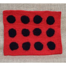 Handmade felt - spotted mat - rectangle - red/black