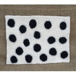Handmade felt - spotted mat - rectangle - white/black