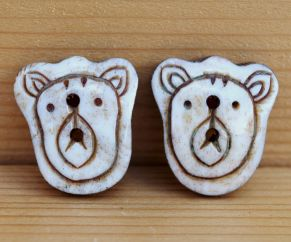 Bear face - hand carved - button