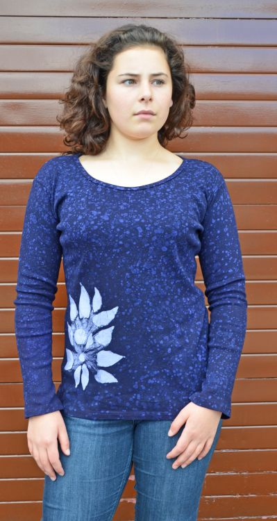 Batik flower top - deep blue