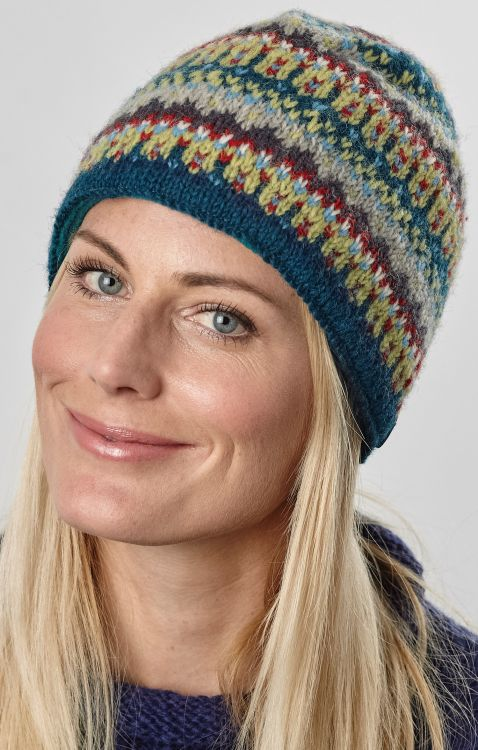 hand knit - multi-patterned beanie - teal/grey