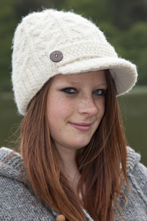 Hand knit - half fleece lined - cable - peak hat - White