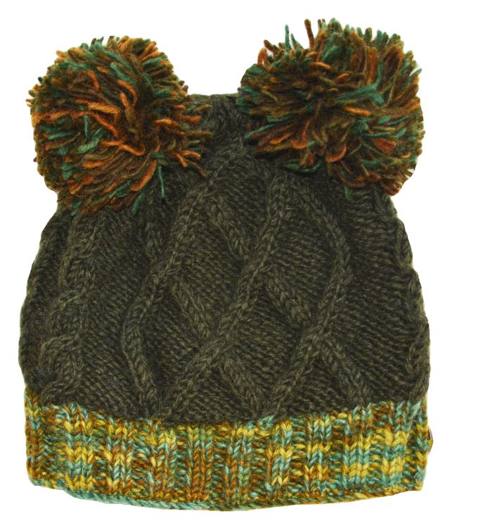 two pom pom cable - bobble hat - Greens