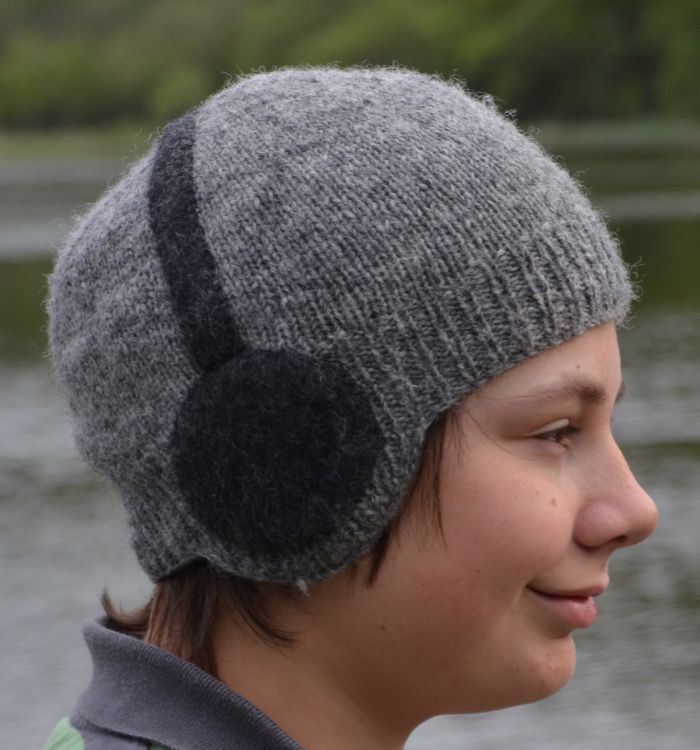 Hand knit - stereo hat - Grey/charcoal