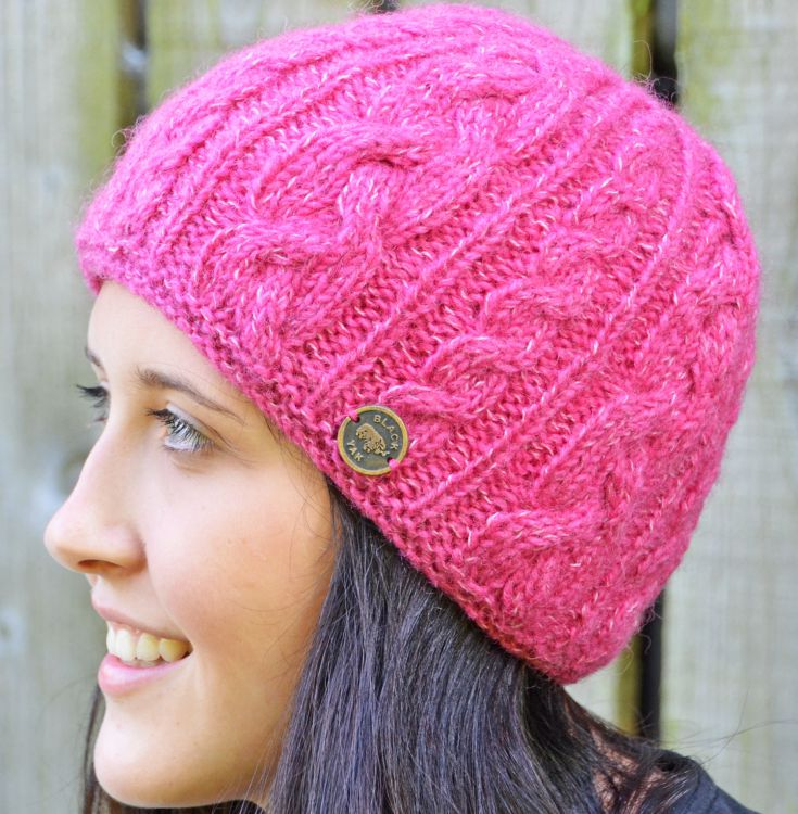 fine wool mix - cable beanie - rose