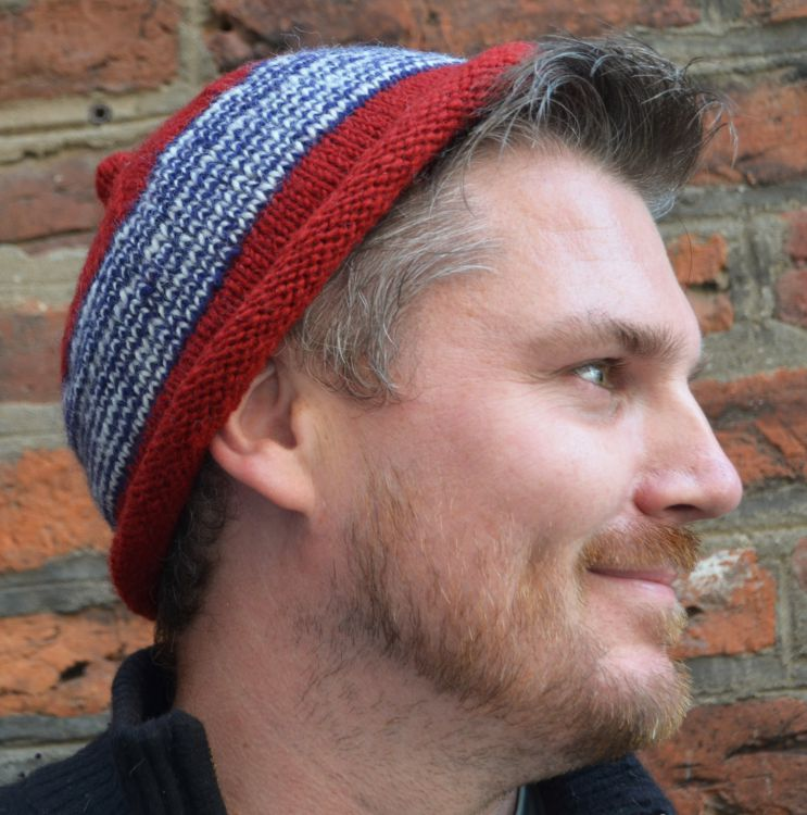 Half fleece lined - pure wool - pippet beanie - Red/Charcoal
