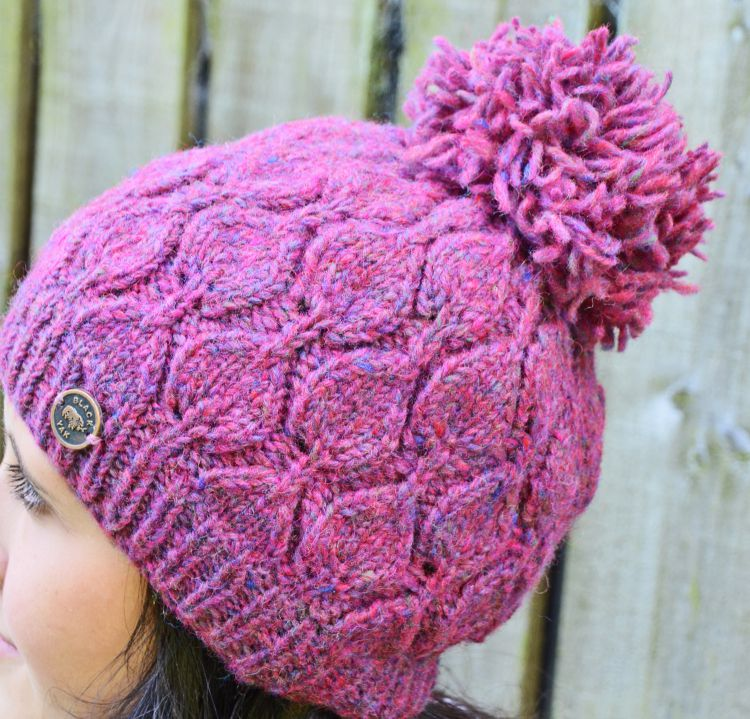 Hand knit - heather leaf bobble hat - Pink heather